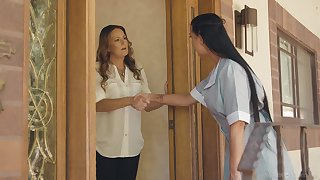 Filly and house owner having sapphist sex - Elexis Monroe & Texas Patti