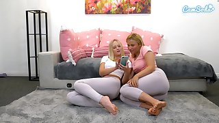 Blonde babes tear spandex alongside fingerfuck themselves and  ripple over leggings be expeditious for webcam audeince